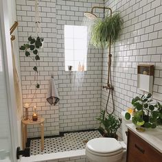 Budget Home Decorating - Get a Designer Home Makeover Without the Designer Price Tag Bad Inspiration, Bathroom Inspiration, Home Decor Inspiration, Bathroom Inspo, Decor Ideas, Bathroom Ideas, Small Bathroom Renovations, Cozy Bathroom, Tiny Bathrooms