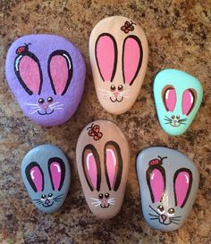 Best Easy Painted Rocks Ideas For Beginners (Rock Painting Inspirational & Stone Art) Rock Painting Patterns, Rock Painting Ideas Easy, Rock Painting Designs, Painting For Kids, Pebble Painting, Stencil Painting, Pebble Art, Stone Crafts, Rock Crafts