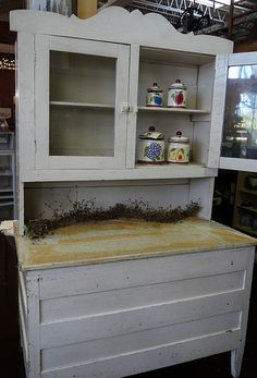 Antique Hoosier cabinet with metal flour bin and metal bread ...