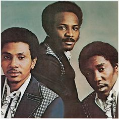Title: Back Stabbers. Back Stabbers - the O'Jays, Huff, Leon. Listen to the Clock on the Wall. Artist: The O'Jays. When the World's at Peace. Who Am I - the O'Jays, Hurtt, Phil. Music Icon, Soul Music, My Music, Music Stuff, Soul Funk, R&b Soul, Lps, Back Stabbers, Musica Disco
