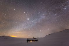 Starry night - Espen Haagensen. A starry night at the DNT hut Grindaflet. Norway.
