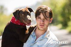 Dominic Sherwood Teases 'Shadowhunters' Season Two with 'Glamoholic': Photo Dominic Sherwood holds onto his dog Boo in this cute shot from Glamoholic magazine. The actor opened up to the glossy about Shadowhunters, teasing… Alec And Jace, Clary Y Jace, Vampire Academy Movie, Vampire Film, Shadowhunters Actors, Shadowhunters Season 3, Dominic Sherwood, Cassandra Clare, Christian Ozera