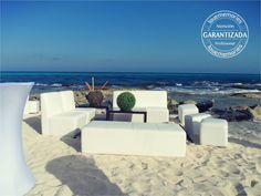 Mantén cómodos a tus invitados con salas Lounge  #LMmontaje #LoveMemories #salaslounge #estancias #bodasenlaplaya