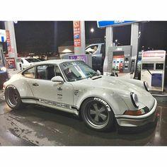 Porsche custom RWB Spectre