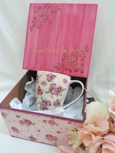 Decoupage Vintage, Decoupage Box, Decopage, Vintage Box, Louis Vuitton Monogram, Diy And Crafts, Tea, Mugs, Tableware