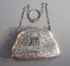Edwardian sterling silver finger or dance purse, 1908 The Secret LIfe of Anna Blanc Vintage Purses, Vintage Bags, Vintage Handbags, Edwardian Jewelry, Antique Jewelry, Vintage Jewelry, Beaded Purses, Beaded Bags, Vintage Silver