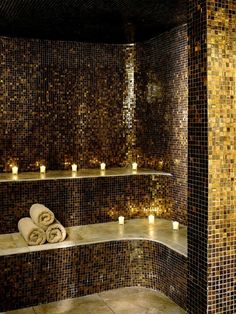 Shimmery tiles in gold