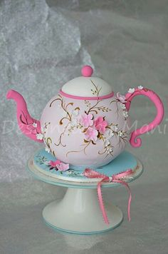 Tea Pot Cake - What a fun cake for a tea party themed baby shower, bridal shower, or birthday. Gorgeous Cakes, Pretty Cakes, Cute Cakes, Amazing Cakes, Fondant Cakes, Cupcake Cakes, Cupcake Wrappers, Teapot Cake, Pink Teapot