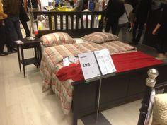 Ikea bedframe en middenbalk en lattenboden: kleine 110,00 euro. Hemnes Hovag
