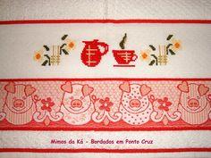 Pano de Copa - Bule e Xícaras Vermelho com Flores