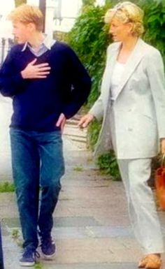 .Diana and William,extremely rare photo. Diana and William saw each other for the last time here