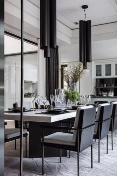35 Amazing Black And White Dining Room Design Ideas With Elegant Look Rustic Dining Room Sets, Dining Room Furniture Sets, Modern Dining Room Tables, Luxury Dining Room, Dining Table Design, Dining Room Lighting, Modern Table, Contemporary Dining Room Sets, Dining Sets