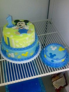Baby boy 1st birthday cake... and an extra cake just for him to smash!