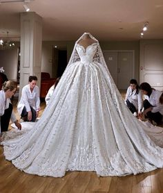 Princess Wedding Dresses, Dream Wedding Dresses, Bridal Dresses, Wedding Gowns, Bridesmaid Dresses, Reception Dresses, Wedding Reception, Wedding Church, Lace Wedding