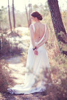 robe de mariée décolleté dos, confidentiel création Bordeaux, Blog La Mariée en colère, photographe Fairy Daily