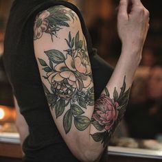"4,552 Likes, 30 Comments - Wonderland Tattoo (@wonderlandpdx) on Instagram: ""Arm of #roses by Alice Carrier @alicerules (shoulder cap rose and hips by Alice Kendall) #botanical…"""