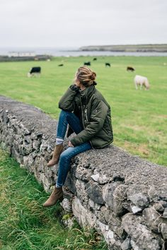 Ireland Road Trip: Wild Atlantic Way Ireland Travel Diary, Jess Ann Kirby at the Flaggy Shore on the Wild Atlantic way Cardigan Verde, The Places Youll Go, Places To Go, Foto Cowgirl, Ireland Fashion, Fall Travel Outfit, Country Fashion, Irish Fashion, Farm Fashion