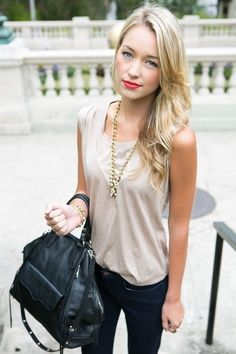 Casually Chic Monday - Chloe Rose