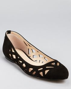 Head over Heels - Calvin Klein Flats - Emilia Cutout Pretty Shoes, Beautiful Shoes, Cute Shoes, Me Too Shoes, Sock Shoes, Shoe Boots, Shoes Heels, Black Flats Shoes, Women's Flats