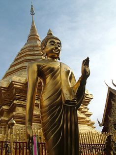 Thailand Chiang Mai.Wat Doi Suthep - I visited here - such  a beautiful and serene temple. Would go back in a heartbeat.