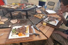 jag grill barbecue table salle a manger 4   Le barbecue table ... salle à manger   photo Jag Grill image grillade grill feu bois bbq barbecu...