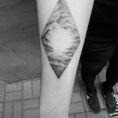 Longing for Sunmer time 🌅 #tattoo #tattoos #tatuaż #blacktattoo #blackwork #dotwork #lodz #polandtattoos #delicate #girlswithtattoos #delicatetattoo #pretty #sunset #nature #view #blackworkerssubmission #blacktattoo #darkartist #tattoolife