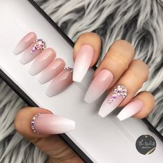 Nail Ideas Discover Triple B- Bling Baby Boomer Soph Ombre with Bling Crystals Press On Nails Aycrlic Nails, Glue On Nails, Cute Nails, Pretty Nails, Stiletto Nails, Nails Kylie Jenner, Pin On, Nail Sizes, Nagel Gel