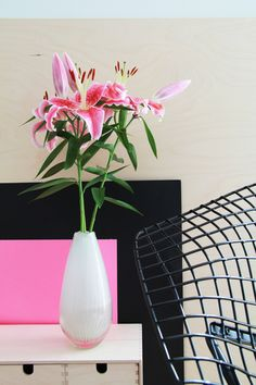 DIY Color Pop Idea: Vivacious Vignette - One of many other fantastic DIY ideas. This site has a ton of really simple design ideas! Candle Centerpieces, Candles, Blog Pictures, Color Pop, Colour, Vignettes, Simple Designs, Decorating Your Home, Beautiful Flowers