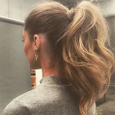 Pinterest @esib123  Voluminous Ponytail