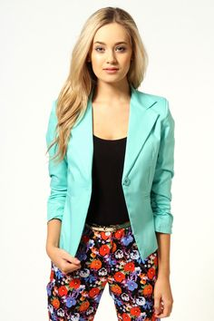 Blazer and #FloralPrintPants are so IN!  #fashion