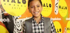 Nickelodeon y Plan premian a Niño de 8 años por ayudar a la comunidad   Voxpopulix.com
