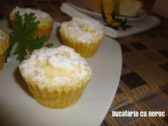Cosulete cu branza dulce (vatrushka rusesti) - Bucataria cu noroc Noroc, Muffin, Breakfast, Simple, Sweets, Morning Coffee, Muffins, Cupcakes