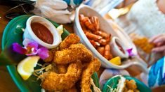 Ditch the resorts: The best places to eat in Honolulu Honolulu Hawaii, Recipes From Heaven, Best Places To Eat, The Good Place, Good Things, Ethnic Recipes, Food Heaven, Resorts, Foodies