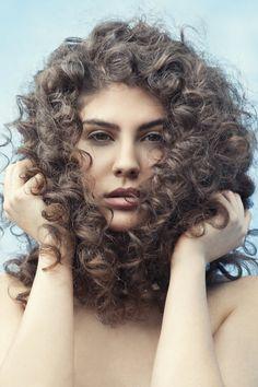 Frisuren Bilder: Langhaarfrisuren: Wilde Locken - Bilder