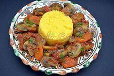 Tocanita de ciuperci cu mamaliguta Pot Roast, Vegetarian Recipes, Ethnic Recipes, Sweet, Home, Zucchini, Kitchens, Carne Asada, Candy