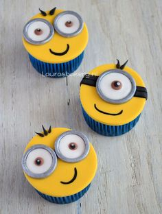 Minion Cupcakes - Lauras Bakery Perfect for a DYI Bday party! Cupcakes Dos Minions, Fondant Minions, Cupcakes For Boys, Yummy Cupcakes, Cupcake Cookies, 4th Birthday Cakes, Luau Birthday, Minion Birthday, Bolo Minion