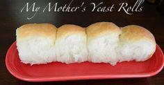 Heather S. Sugar Spice and Spilled Milk: My Mother's Yeast Rolls Yeast Dinner Rolls Recipe, Dinner Rolls Easy, Homemade Dinner Rolls, Bread Maker Recipes, Dump Cake Recipes, Baking Recipes, Best Yeast Rolls, Homemade Yeast Rolls, Homemade Breads