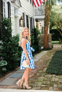 Three Easy Outfits To Recreate This Fourth of July - Draper James #draperjames   Fourth of July Outfit  Blue White Gingham   www.lifetolauren.com