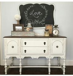 Adorable Dining Room Buffet Design Ideas Suitable For Fall Thanksgiving – Home Decor Ideas Chalk Paint Furniture, Furniture Projects, Furniture Makeover, Furniture Design, Dresser Makeovers, Dining Furniture, Annie Sloan Old White, Painted Buffet, Dining Room Buffet