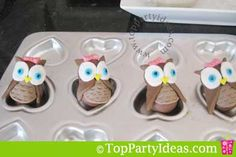 teaches how to make little owls for cake