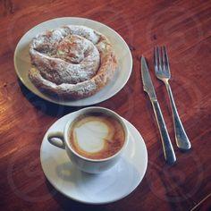 Photo by Xantal Padrosa - plate, creativity, knife, fork, drink #coffee