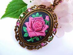 Ketten lang - Große Halskette mit Rosen Kamee in pink bronze - ein Designerstück von glitzerkaestchen bei DaWanda