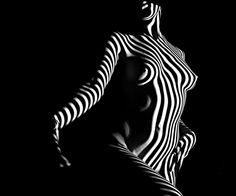 Blk&wht body of art
