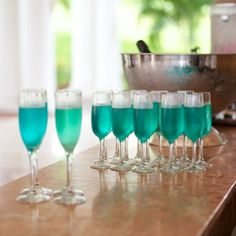 Lauren & Nathan made these signature Jamaican-inspired cocktails for their guests. It even fit with their color theme!