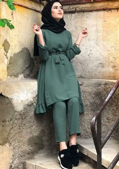 534 best hijab hipster images in 2019 Modest Fashion Hijab, Modern Hijab Fashion, Casual Hijab Outfit, Hijab Fashion Inspiration, Islamic Fashion, Muslim Fashion, Fashion Dresses, Modesty Fashion, Fashion Fashion