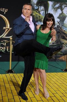 """Bruce Campbell & wife Ida Gearon - """"Oz the Great and Powerful"""" World Premiere"""