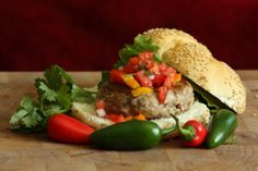 Grilled Turkey Burgers with Tomato-Mango Chutney Healthy Grilling Recipes, Grilled Steak Recipes, Grilled Pork, Burger Recipes, Vegetarian Recipes, Healthy Meals, Yummy Recipes, Mexican Burger, Grilled Turkey Burgers