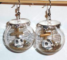Ohrringe Skull in Glaskugel Edelstahl Ohrhaken Glas handgemacht