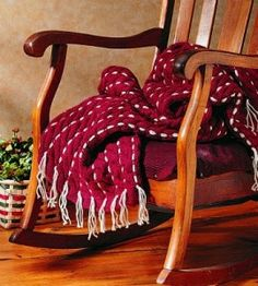 Cozy Knitted Afghan. So perfect for chilly nights! countrywomanmagazine.com