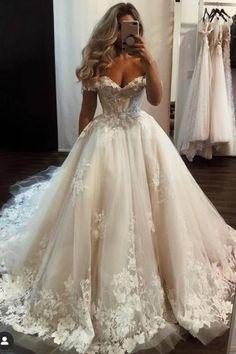 Cute Wedding Dress, Wedding Dress Trends, Princess Wedding Dresses, Dream Wedding Dresses, Bridal Dresses, Ball Gown Wedding Dresses, Vintage Wedding Dresses, Wedding Ideas, Luxury Wedding Dress
